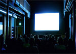 Una sala de cine en funcionamiento donde también se puede disfrutar del ocio accesible