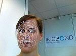 Producto de apoyo de Irisbond realizando el control siguiendo el patrón del rostro