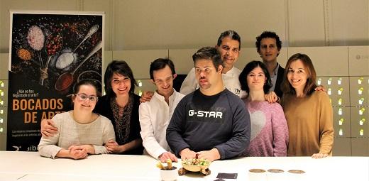 Artistas de Down Madrid junto al chef Roncero y organizadores del plan