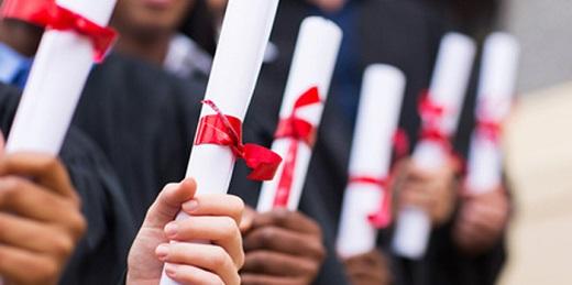 alumnos con diplomas del curso de accesibilidad audiovisual