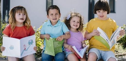 Niños de Down Madrid en el colegio 3 Olivos con un sistema de lectoescritura