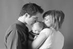 familia con bebe de la guía sobre embarazo