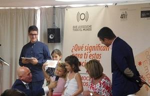 evento de FIAPAS presidente hablando con niñas