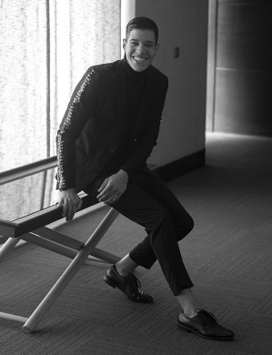 Reportaje en ASM J.A. Rincón, DAvid Marquez en blanco y negro riendo