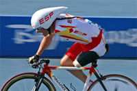 Deportes Paralímpicos. Deportista español participando en los Paralímpicos en Ciclísmo Adaptado