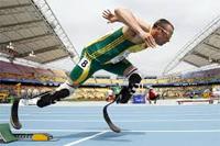 Deportes Paralímpicos. Atletismo con prótesis en las piernas
