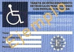 Ejemplo de la Tarjeta de estacionamiento europea para personas con discapacidad discapacitados (por motivos de seguridad se han aplicado modificaciones en la imagen)