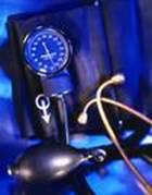 Imagen de aparato de medir la tensión arterial de un accidentado de lesión medula espinal