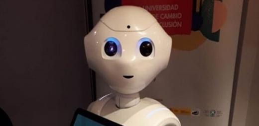 Robot asistencial, inteligencia artificial por la igualdad de las personas con discapacidad