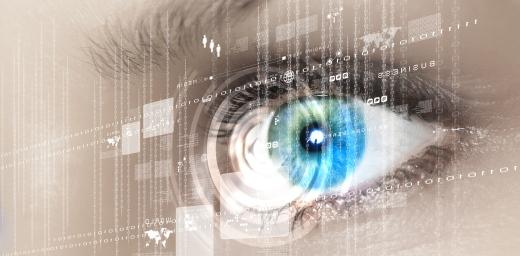 ojo delante de pantalla con Síndrome Visual Informático (SVI)